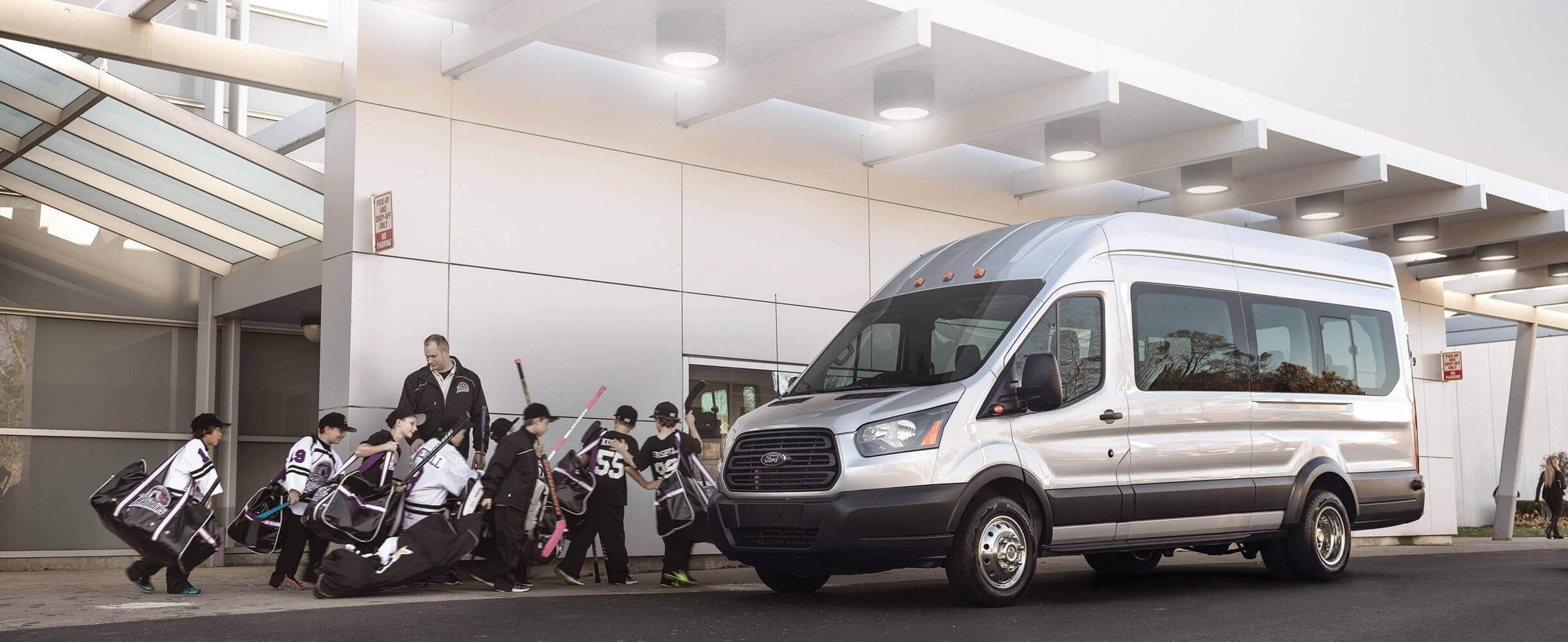 Truck Rental Houston >> Van Rental In Houston Minivan Passenger Avis Rent A Car